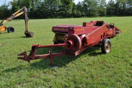 New Holland 273 square baler, 540 pto, wire tie, folding chute, SN 123572