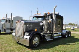 "2003 Kenworth W900 semi truck, 72"" sleeper, Cummins N-14 red top, 13 spd Eaton, shows 254,079 miles"