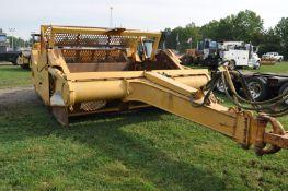 John Deere 1810 pull type ejector scraper, (4) 20.5-25 tires, rear pan
