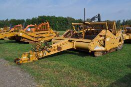 John Deere 1810 pull type ejector scraper, (4) 20.5R25 tires, front pan