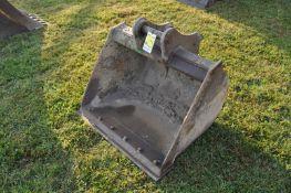 Smooth bucket for a John Deere 75C excavator