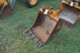 """30"""" Rock bucket for John Deere 410J Backhoe"""