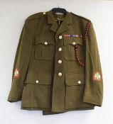 """British Army dress uniform jacket having Van Dungie label penned """"G King"""", ERII staybrite buttons by"""