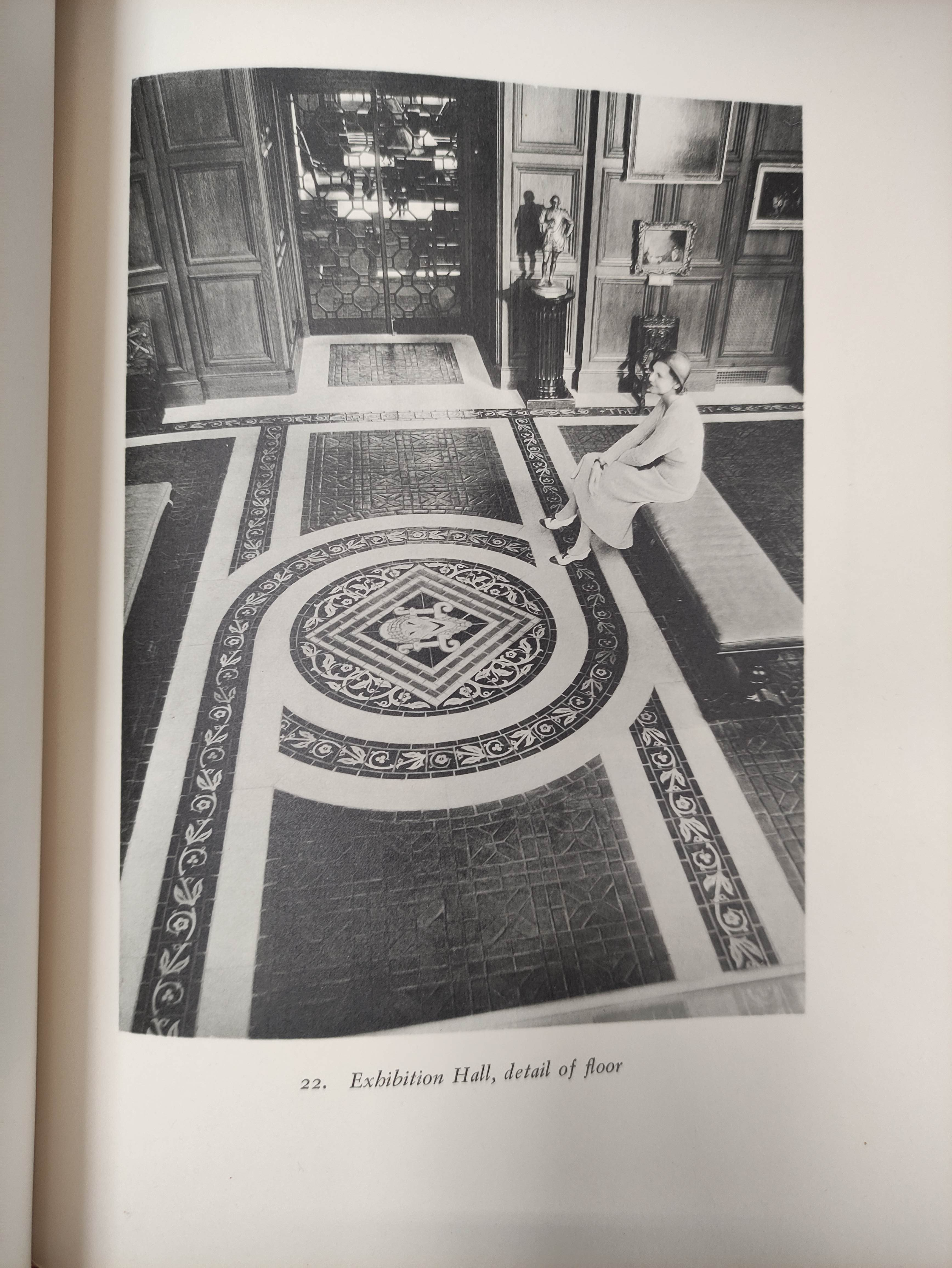 ROBERTS WILLIAM.The Book-Hunter in London. Illus. Orig. pict. cloth gilt, internal browning. 1895; - Image 5 of 8
