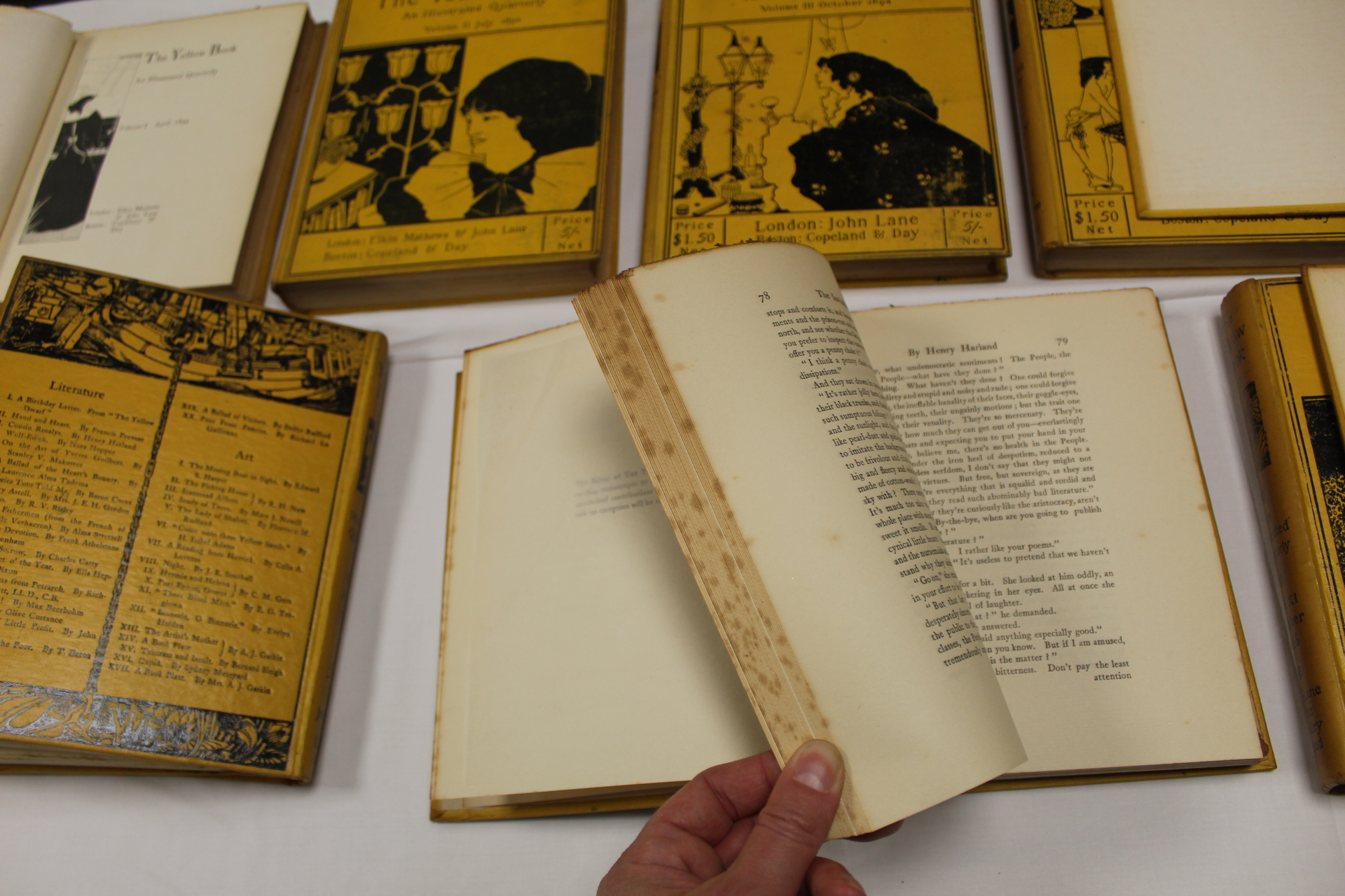 THE YELLOW BOOK.An Illustrated Quarterly. A set of 13 vols., many fine illus. Small quarto. - Image 13 of 45