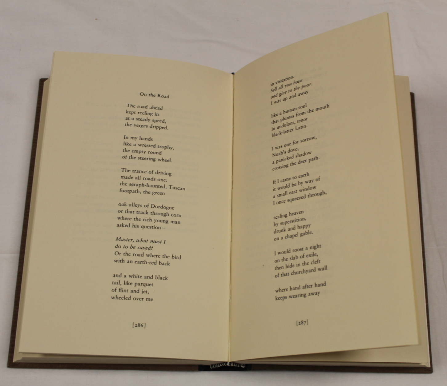 HEANEY SEAMUS. The School Bag. Ltd. ed. 61/300 signed by Heaney & Ted Hughes. Orig. blue & yellow - Image 16 of 36