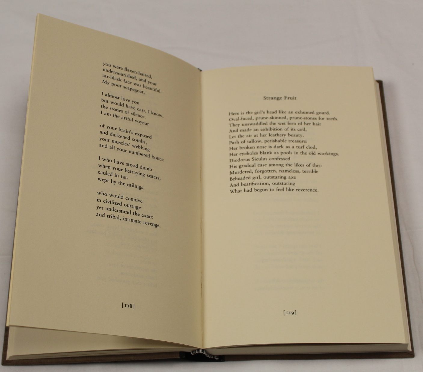 HEANEY SEAMUS. The School Bag. Ltd. ed. 61/300 signed by Heaney & Ted Hughes. Orig. blue & yellow - Image 15 of 36