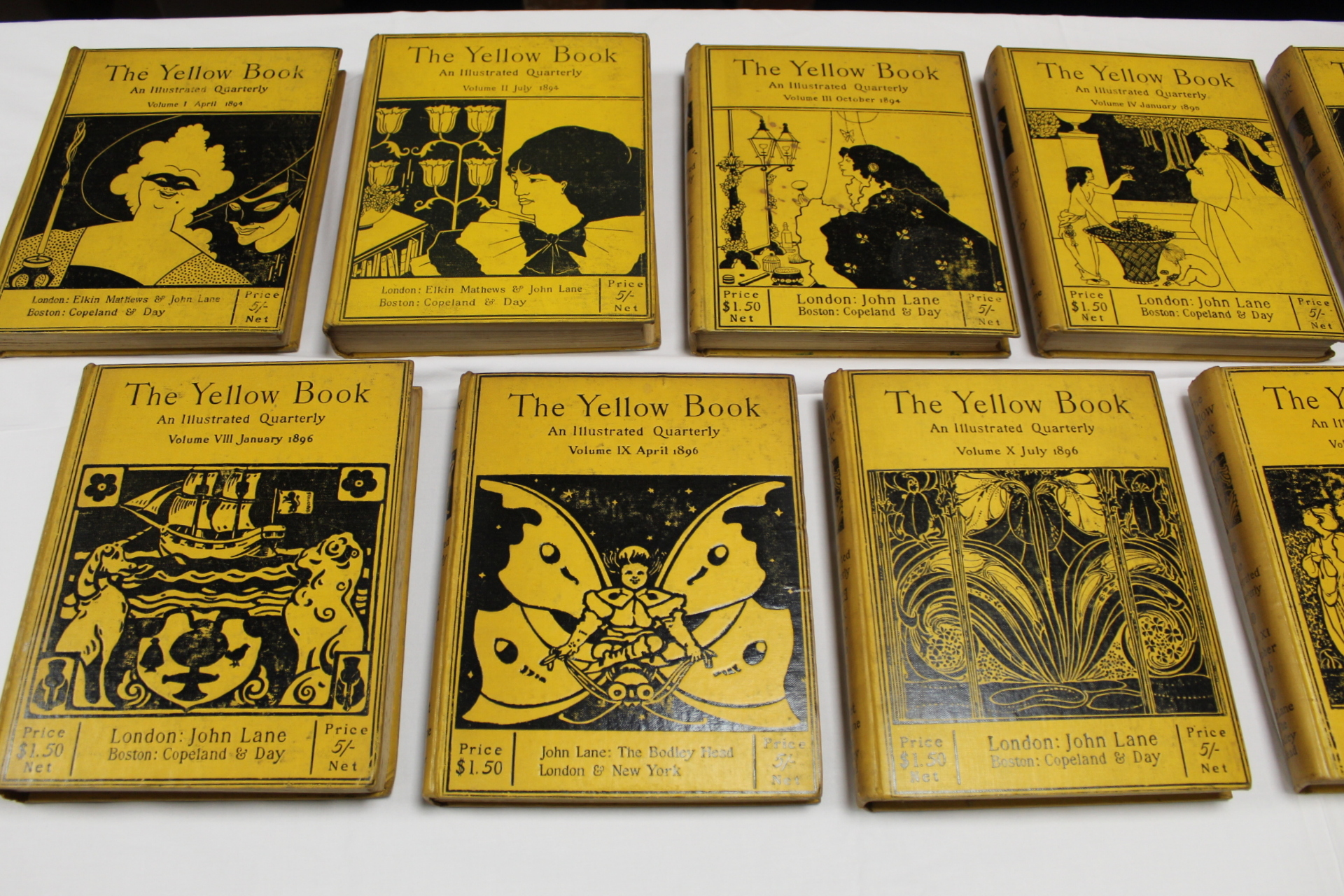 THE YELLOW BOOK.An Illustrated Quarterly. A set of 13 vols., many fine illus. Small quarto. - Image 8 of 45