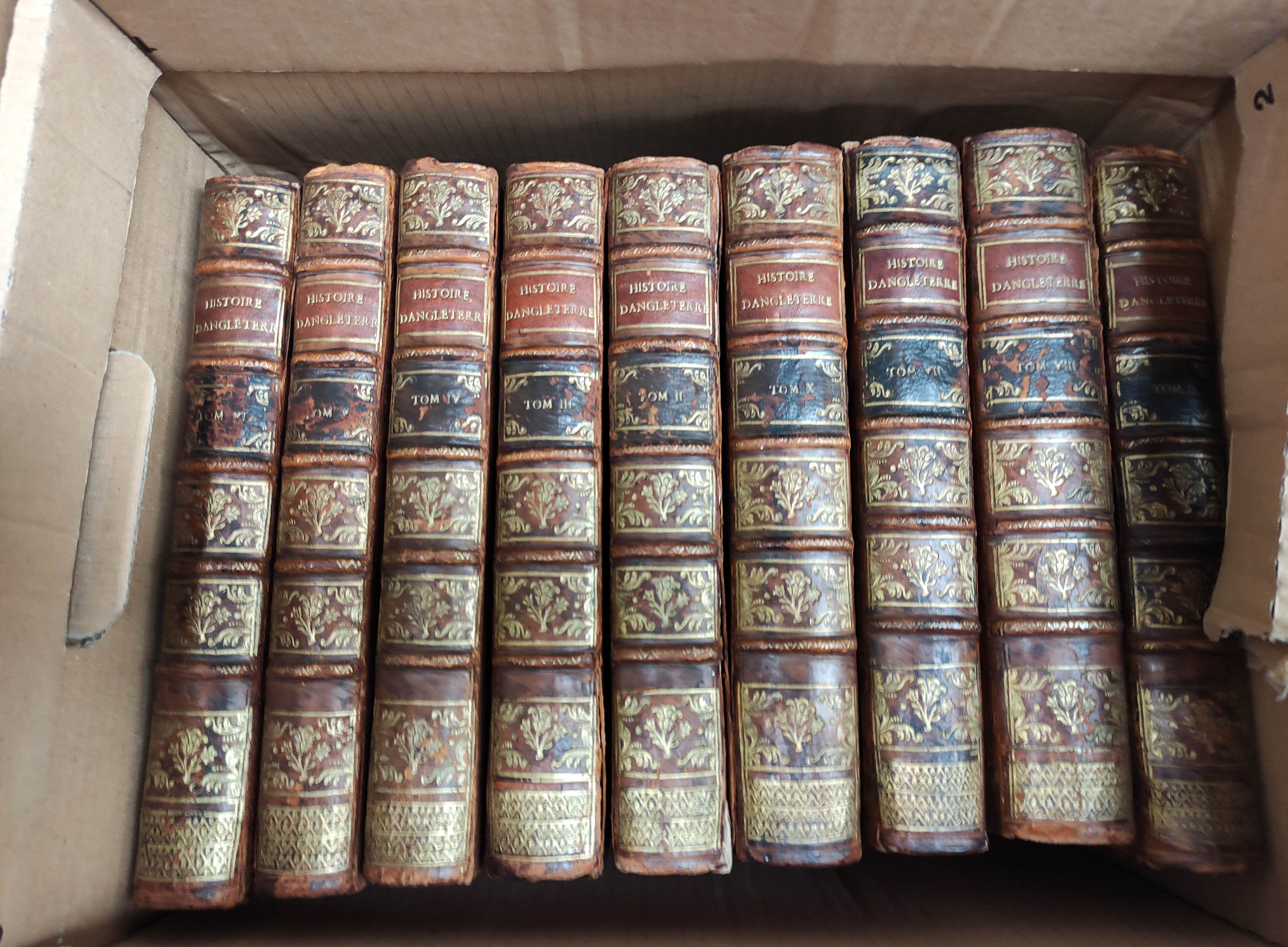 DE RAPIN THOYRAS.Histoire D'Angleterre. 10 vols. Eng. plates, fldg. tables, etc. Quarto. Calf. The