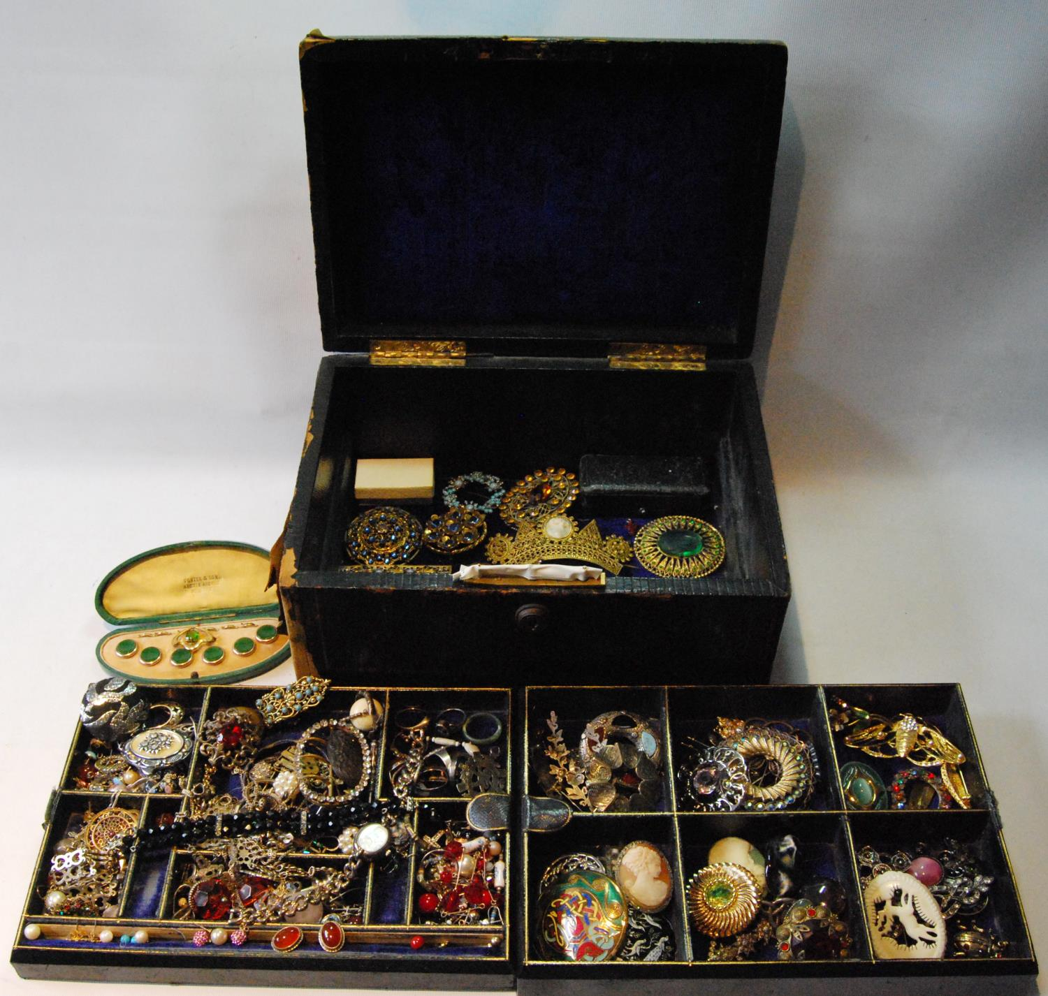 Victorian morocco jewel box with a quantity of silver, costume and other jewellery.