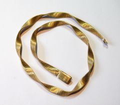 Gold necklace of flat Milanese pattern, '750', 38g.