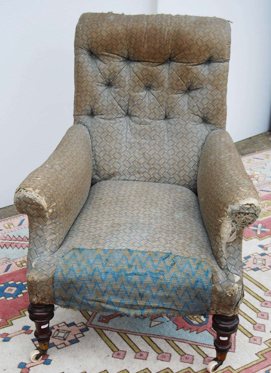 Victorian button-back easy chair with cushioned arms and seat, baluster turned legs terminating in - Image 2 of 4
