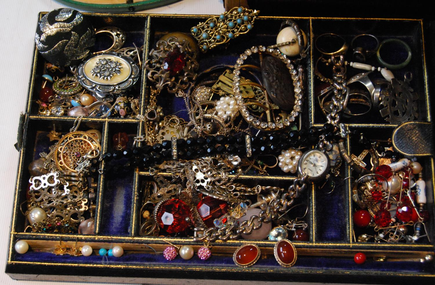 Victorian morocco jewel box with a quantity of silver, costume and other jewellery. - Image 2 of 4