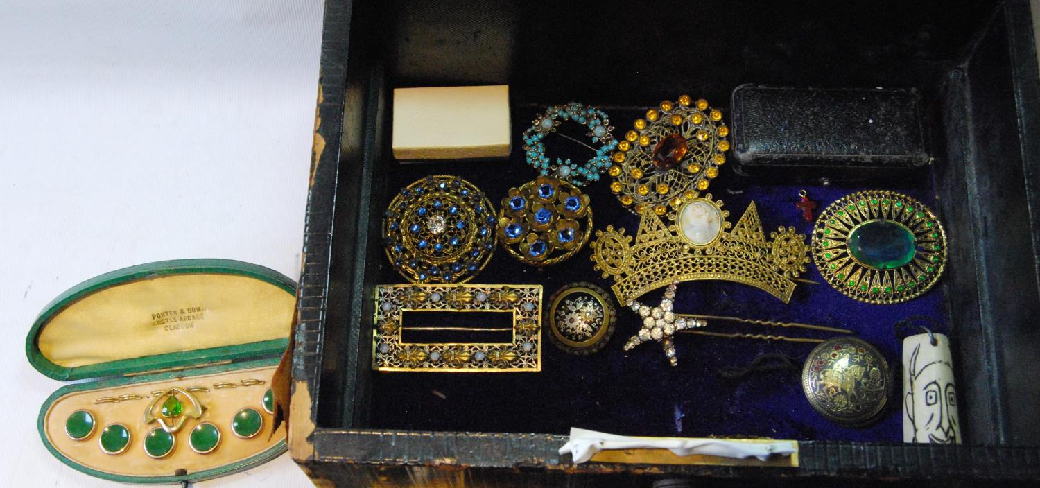 Victorian morocco jewel box with a quantity of silver, costume and other jewellery. - Image 4 of 4