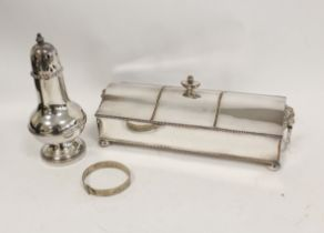 Silver on copper inkstand with two receivers, a silver bracelet and a caster (3)