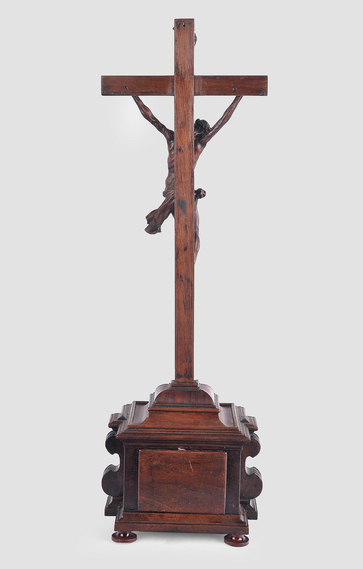 Standkreuz, Süddeutsch, um 1750, Nussholz - Image 6 of 6
