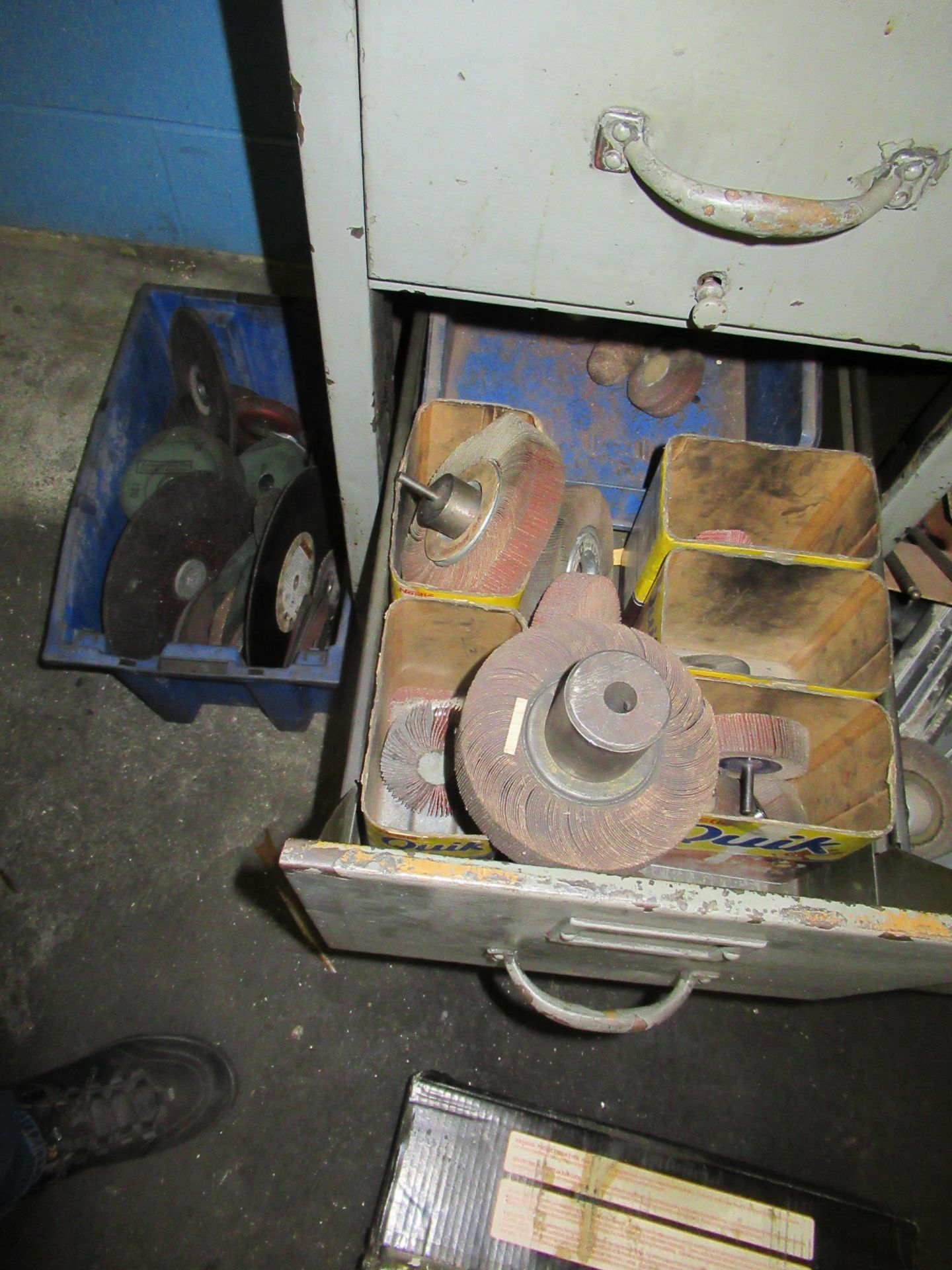 CABINETS OF ASSORTED SANDING WHEELS, GRINDING STONES CUT OFF BLADES, ETC - Image 4 of 4