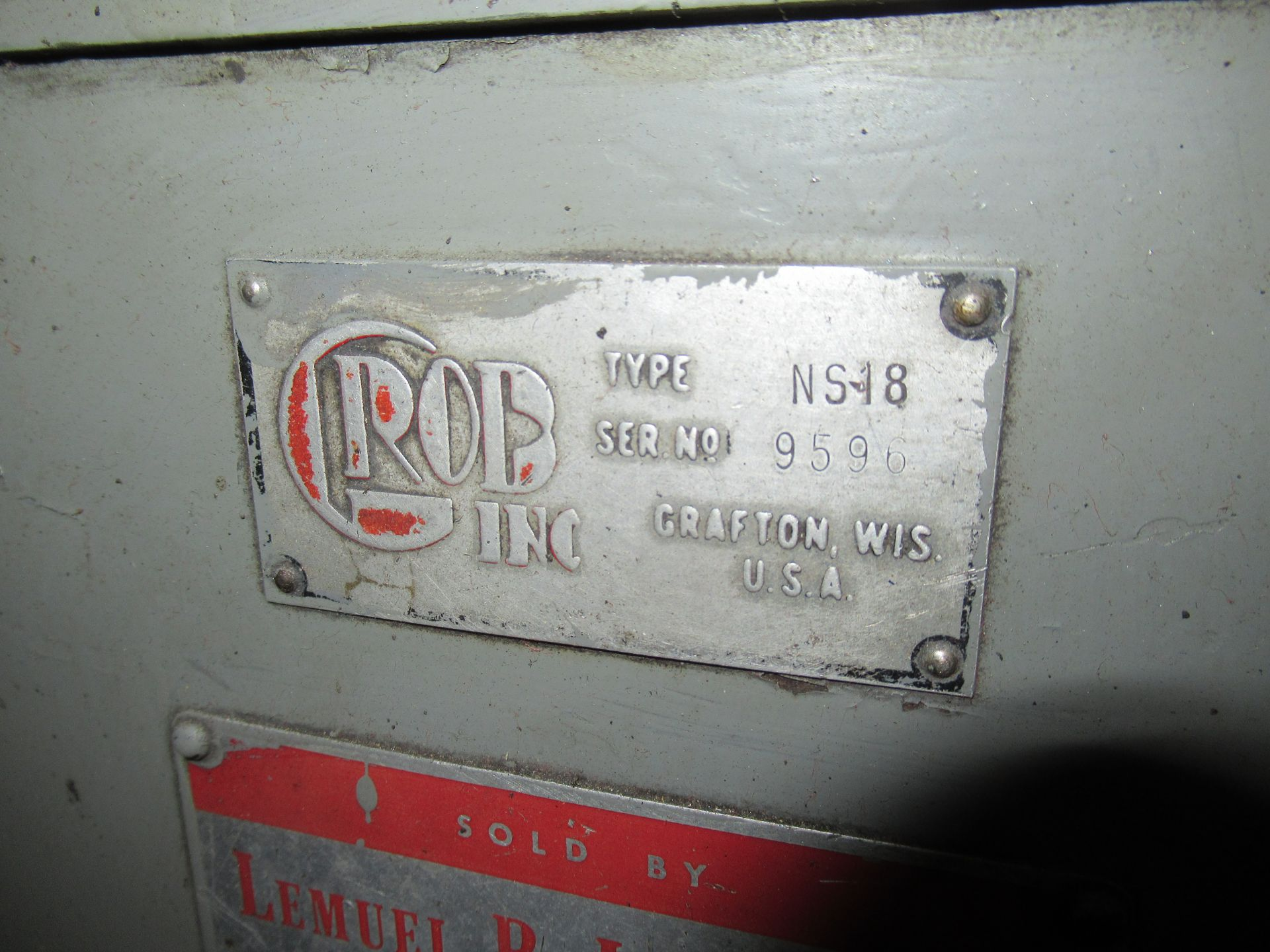 """18"""" GROB, MDL.NS- 18 VERTICAL BAND SAW - Image 2 of 7"""