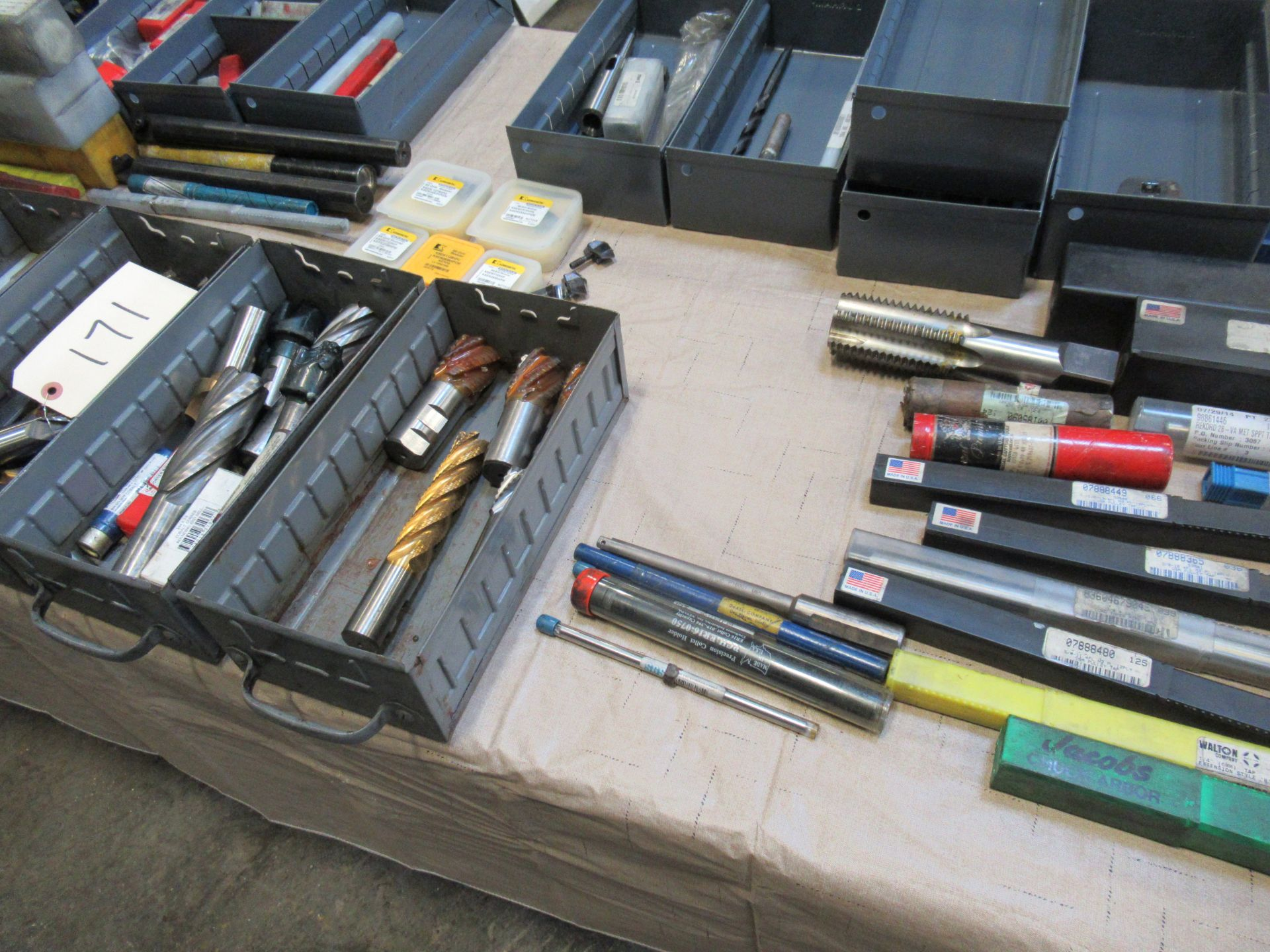 TABLE WITH ASSORTED TOOLING - Image 2 of 3