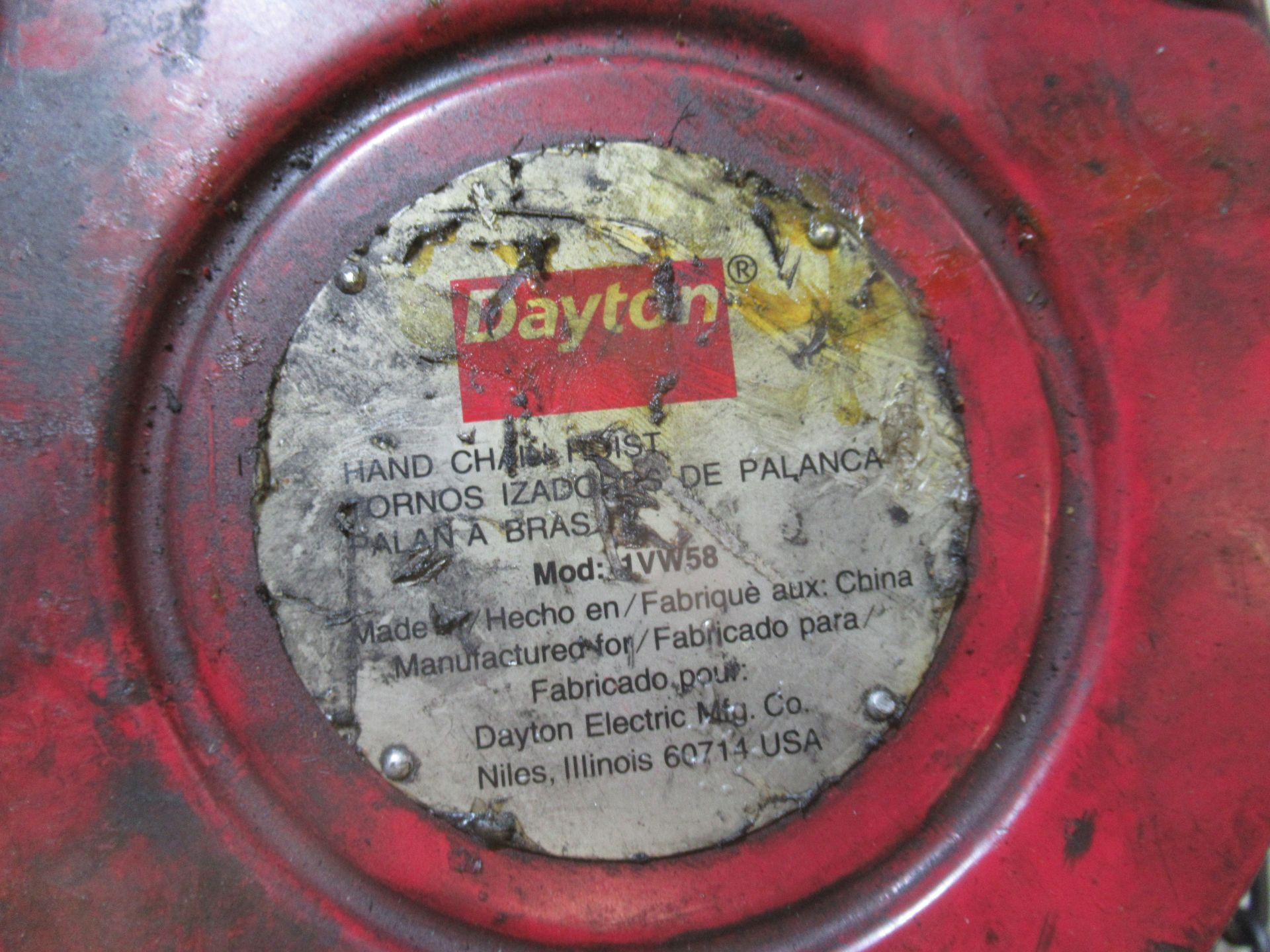 DAYTON 2-TON CHAIN FALL