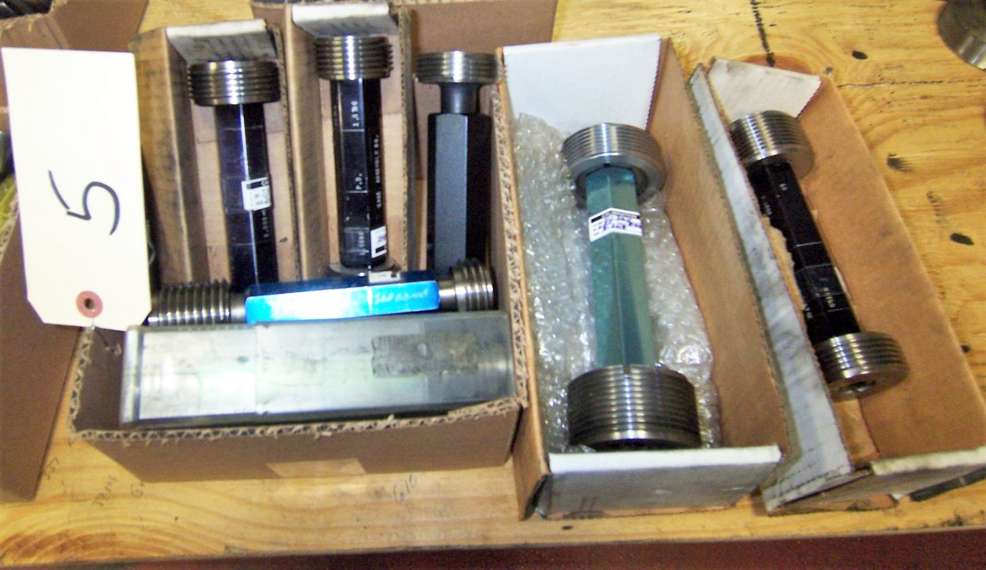 LOT OF GO-NO- GO THREADED GAGES