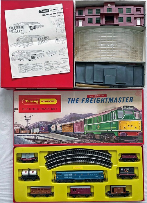 Pair of 1960s Tri-ang Hornby MODEL RAILWAY SETS, both boxed, comprising R.5083 Terminus/Through