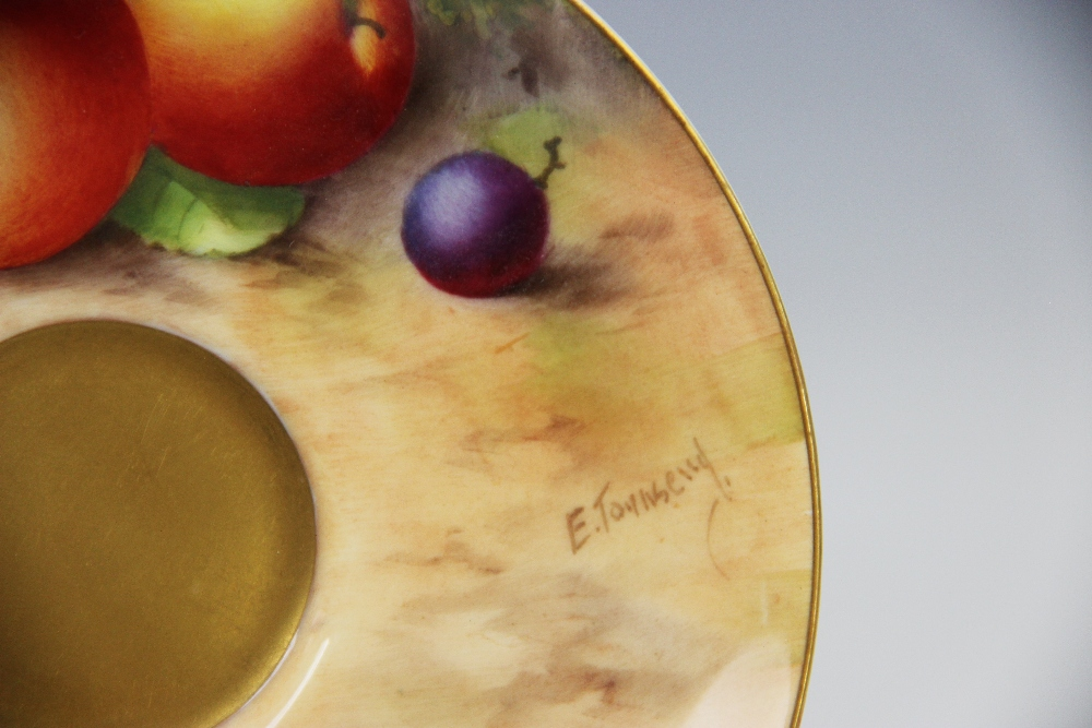A Royal Worcester porcelain trio, mid 20th century, comprising a teacup, the interior hand painted - Image 9 of 9