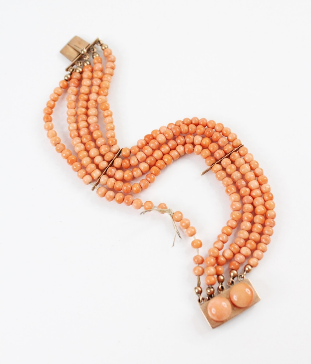 A Victorian three row coral beaded choker necklace, comprising three rows of graduated polished - Image 4 of 4