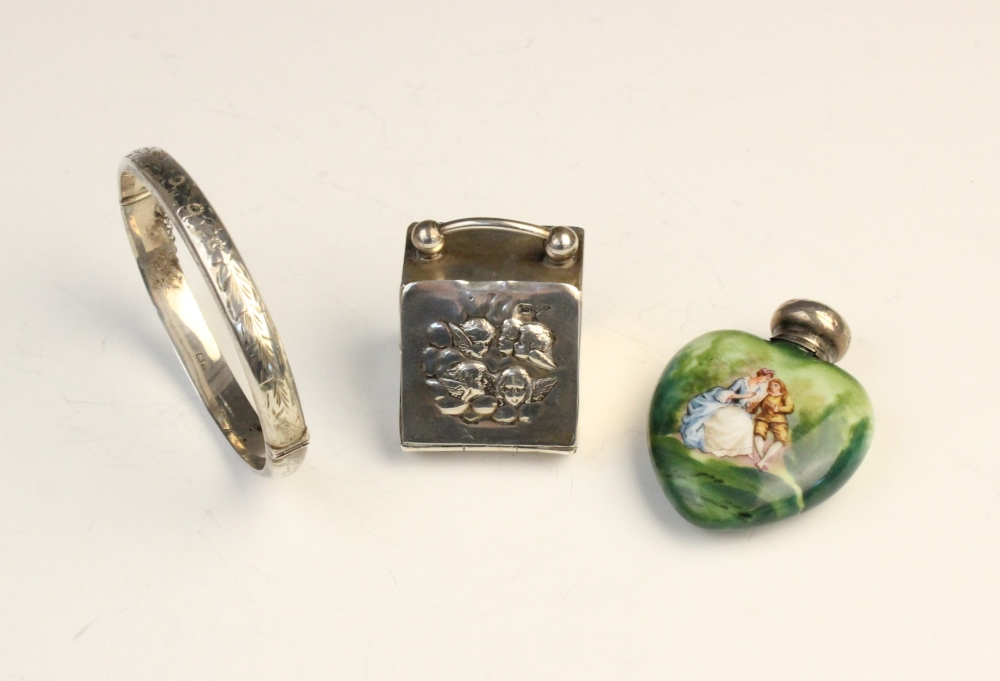 An Edwardian novelty silver thimble box modelled as a coal purdonium by Walker & Hall, Sheffield - Image 2 of 2