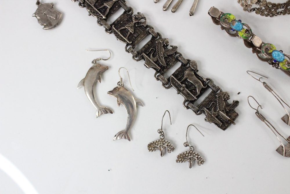 A selection of silver and white metal jewellery, to include an Arts & Crafts enamel bracelet by - Image 4 of 5