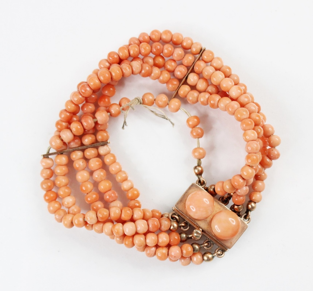 A Victorian three row coral beaded choker necklace, comprising three rows of graduated polished - Image 3 of 4