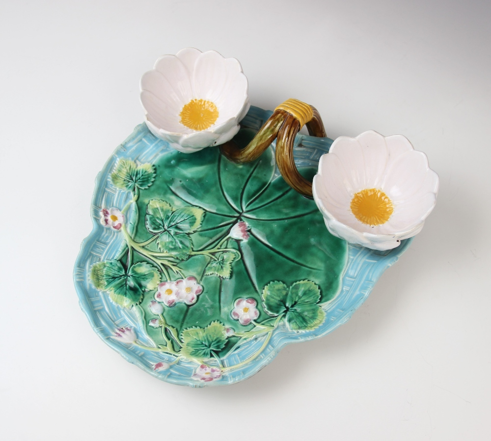A George Jones majolica strawberry dish, late 19th century, modelled as a lily pad on ozier ground - Image 3 of 9