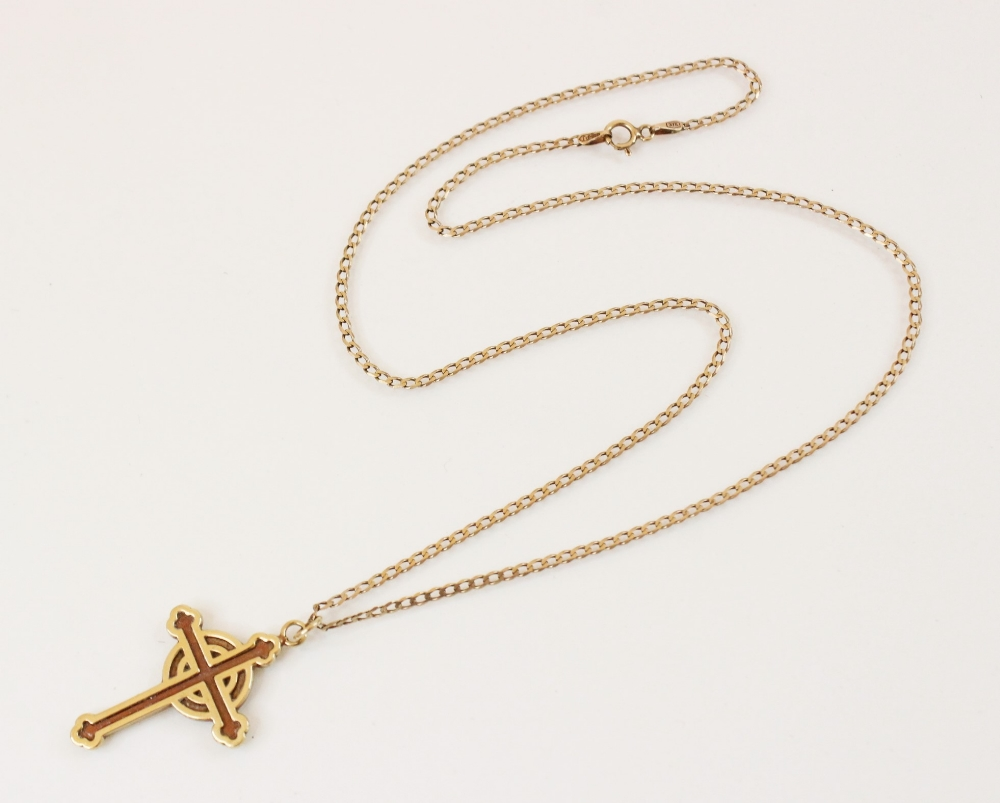 A 9ct gold Celtic cross pendant, marks for Sheffield 1994, 31mm x 22mm, set to a 9ct gold curb - Image 3 of 3