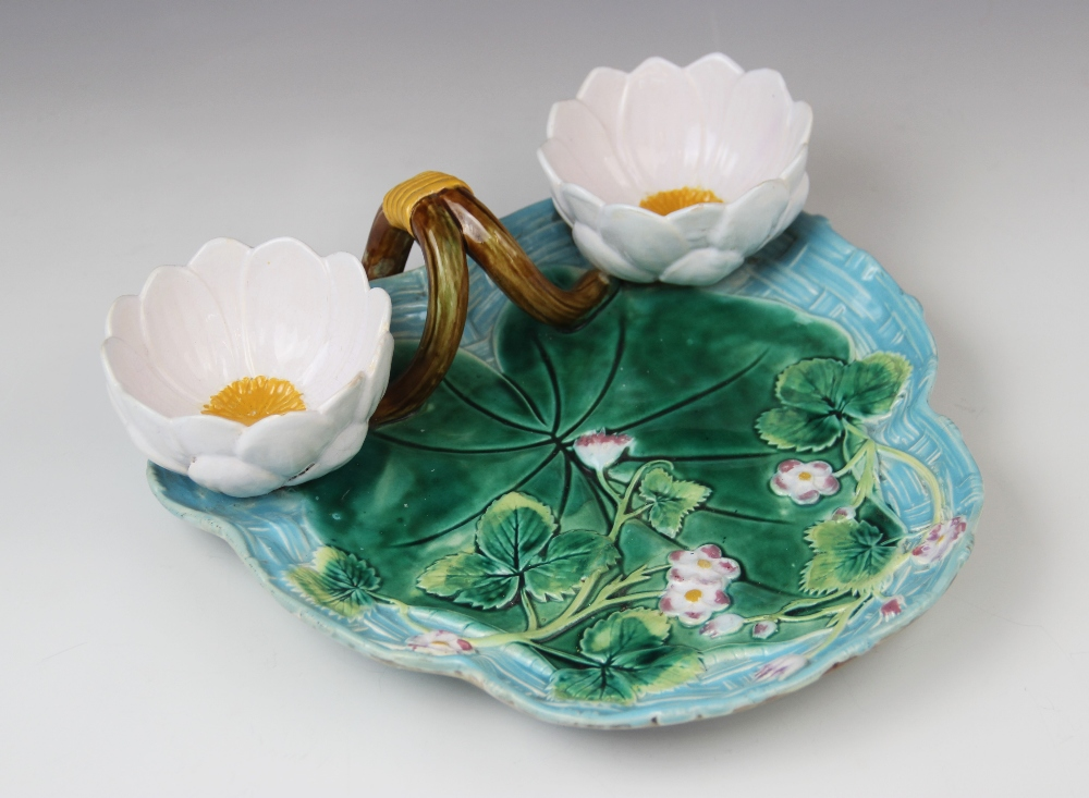 A George Jones majolica strawberry dish, late 19th century, modelled as a lily pad on ozier ground - Image 2 of 9