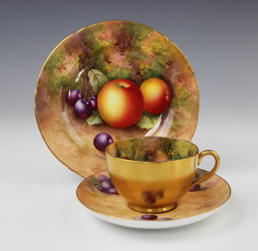 A Royal Worcester porcelain trio, mid 20th century, comprising a teacup, the interior hand painted - Image 2 of 9