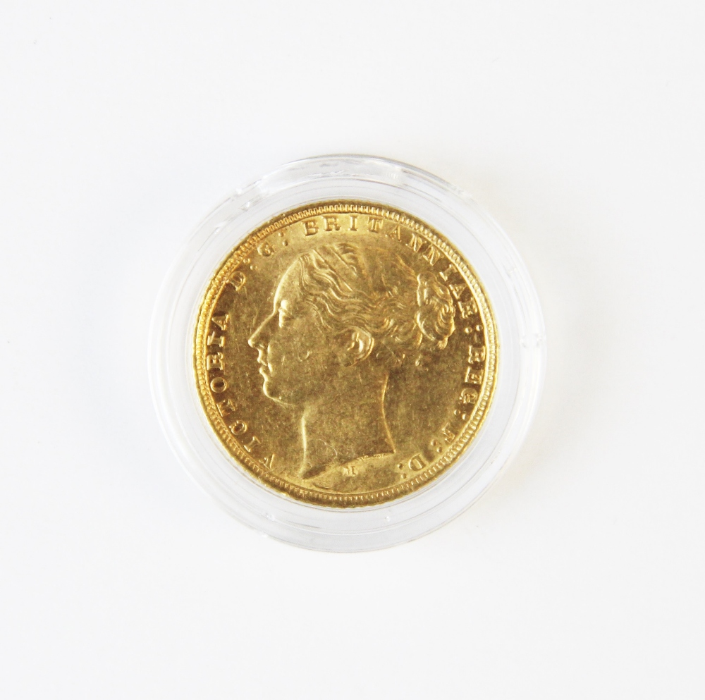A Victorian sovereign dated 1872, weight 7.8g