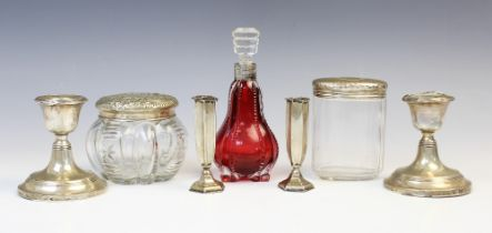 An Edwardian silver topped cut glass dressing table jar by William Comyns, London 1903, of