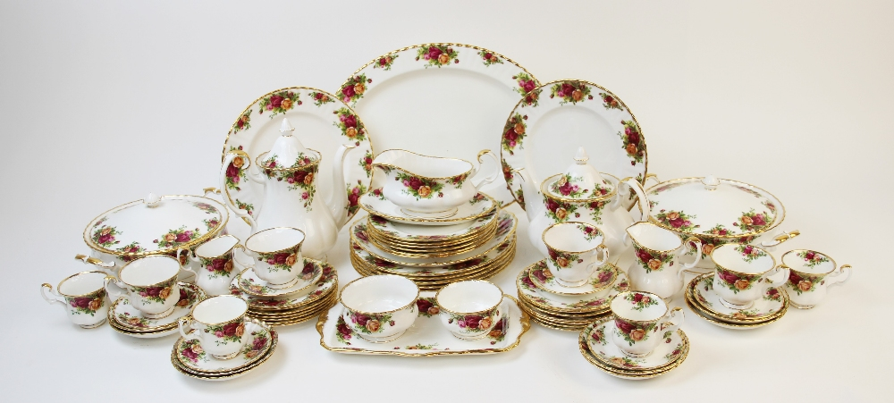 A Royal Albert part service in the 'Old Country Roses' pattern, comprising; seven dinner plates, six - Image 2 of 6