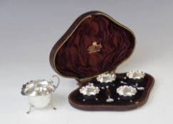 A selection of silver tableware, to include a Victorian cased set of four silver salts by Hilliard &