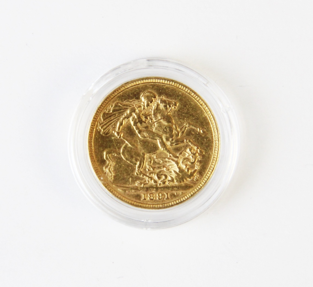 A Victorian sovereign dated 1891, weight 8g - Image 2 of 2