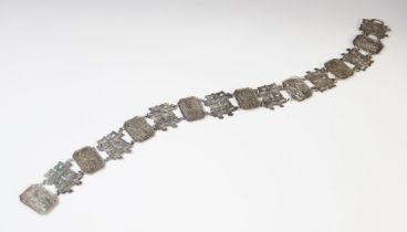 An early 20th century Chinese silver belt by Wung Chin, overall length 66cm