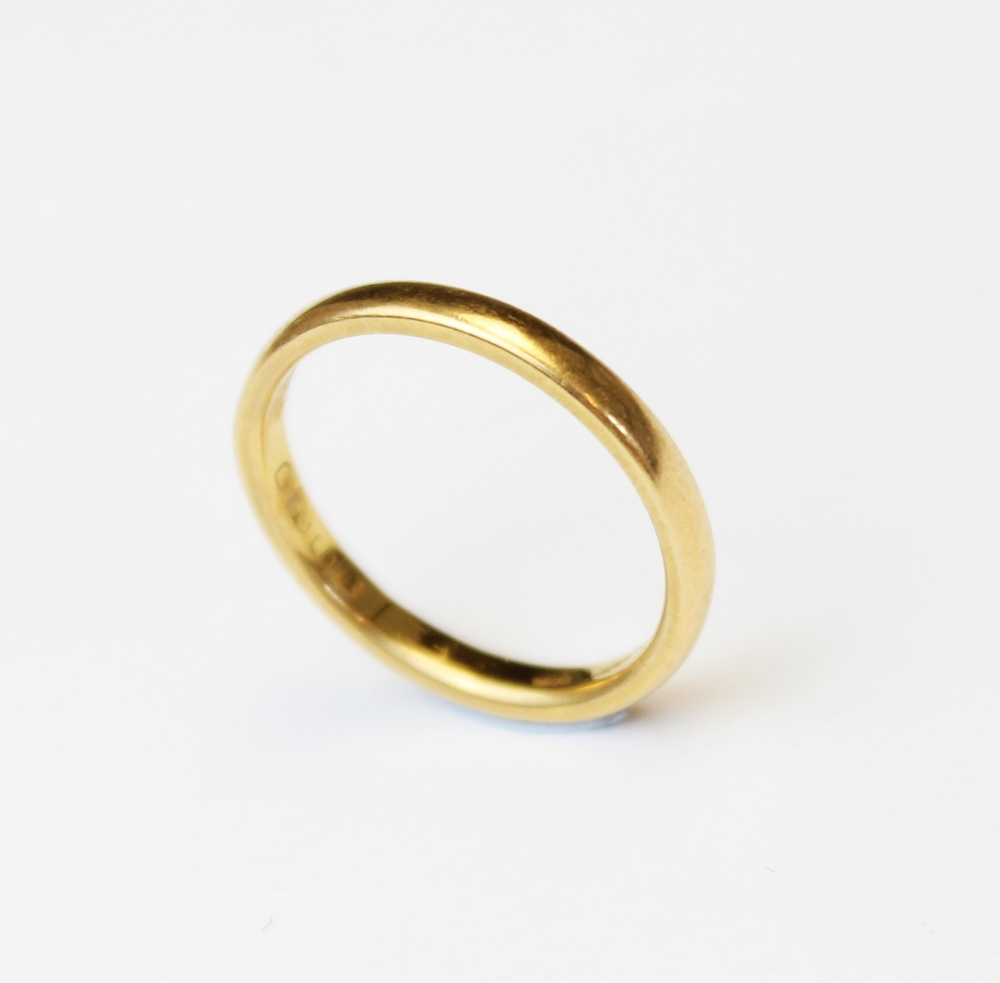 A 22ct gold wedding band, marks for London 1954, ring size M 1/2, weight 3.5gms - Image 2 of 4
