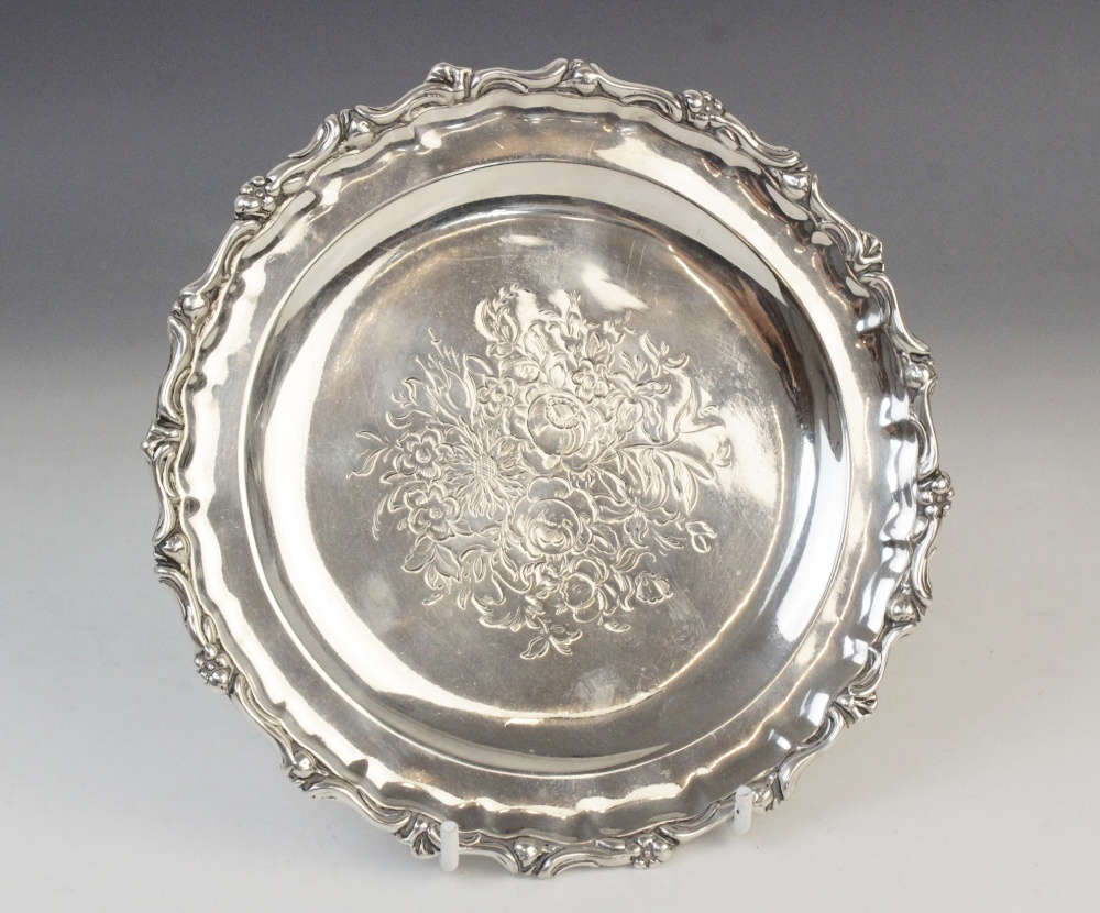 A Victorian silver card tray by George John Richards, London 1848, of circular form with cast rim - Image 3 of 5