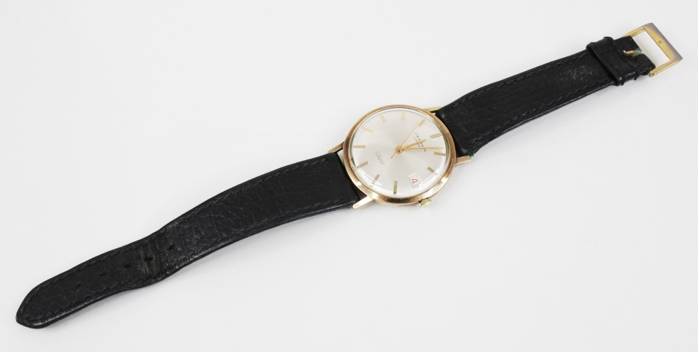 A Gentleman's 1976 9ct gold J.W Benson 17 jewels incabloc wristwatch, the cream circular dial with - Image 3 of 4