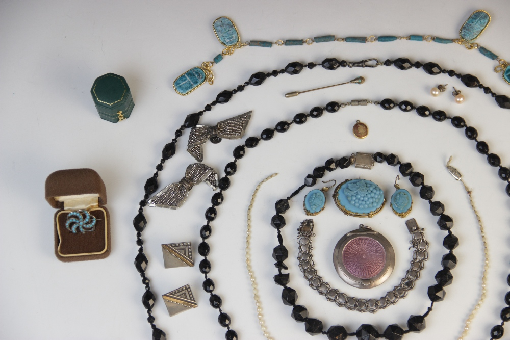 A selection of Victorian and later jewellery, accessories and jewellery boxes, to include a pearl - Image 3 of 3