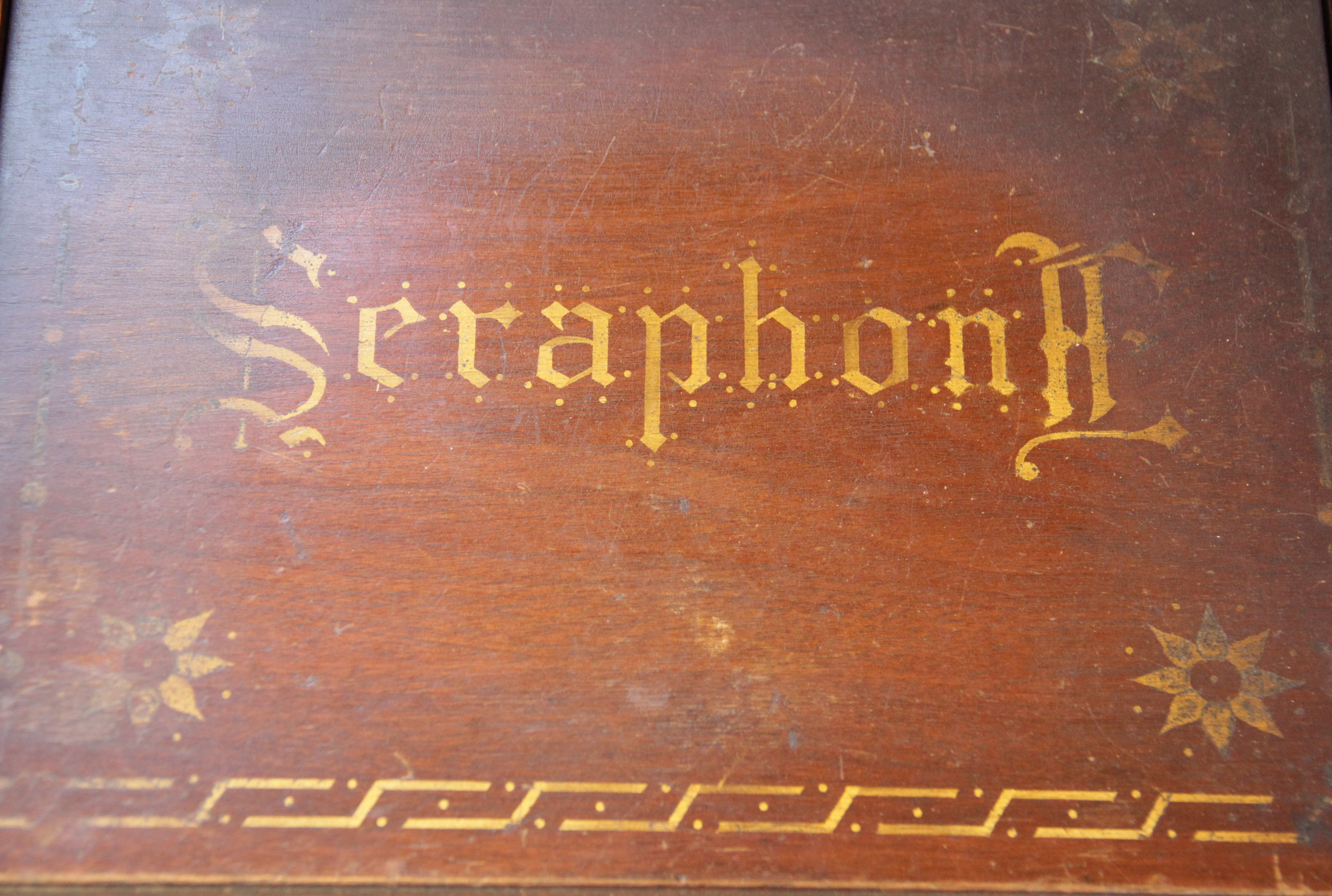 An English Automatic Seraphone, retailed by Peter Black of Manchester, in gilt stencilled mahogany - Image 6 of 6
