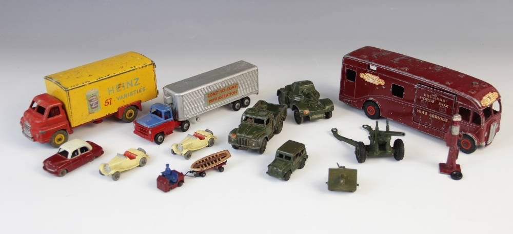 "A boxed Corgi Toys Major number 1111 Massey-Ferguson ""780"" Combine Harvester, with fourteen - Image 2 of 2"