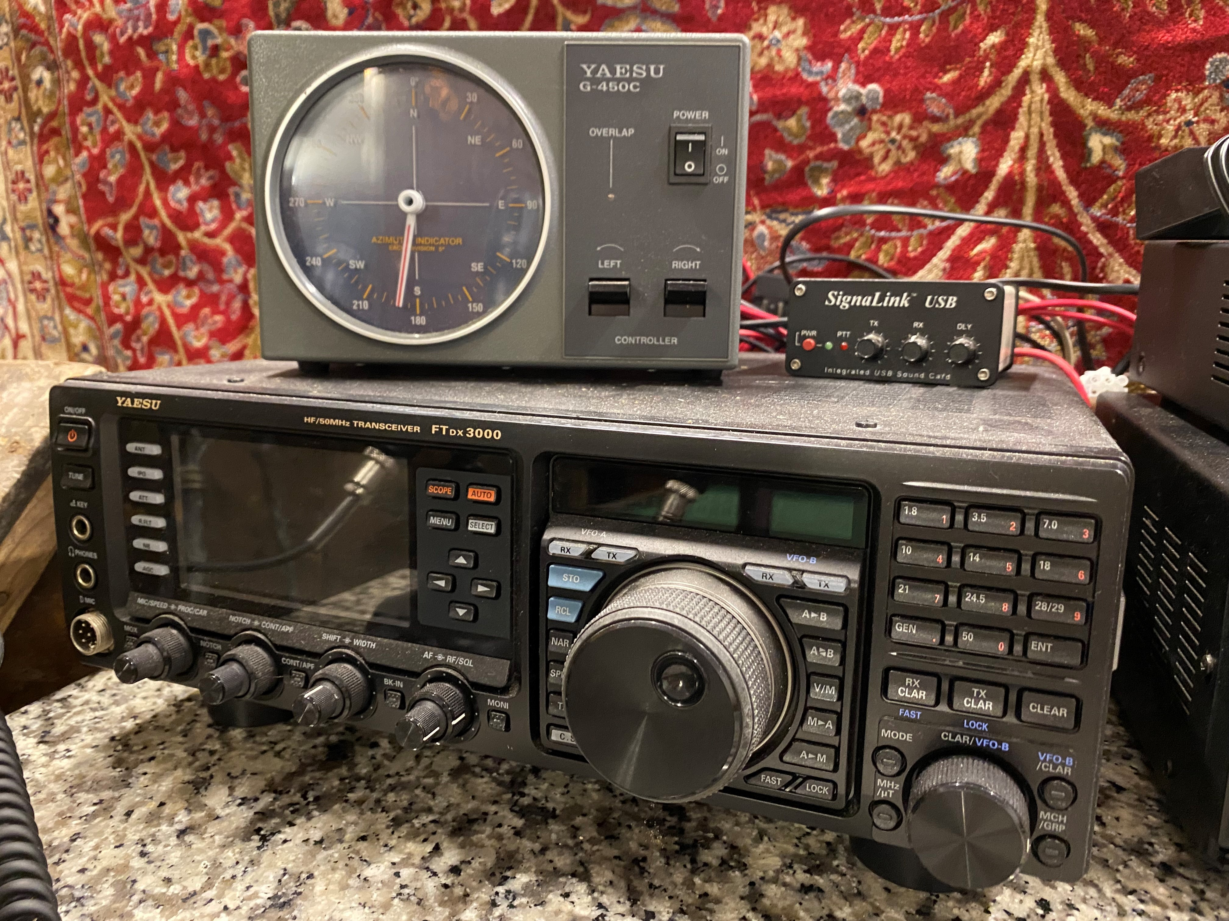 A collection of amateur 'ham' radio equipment, comprising: a Yaesu FTDX 3000 transceiver, an ATU 897 - Image 2 of 13