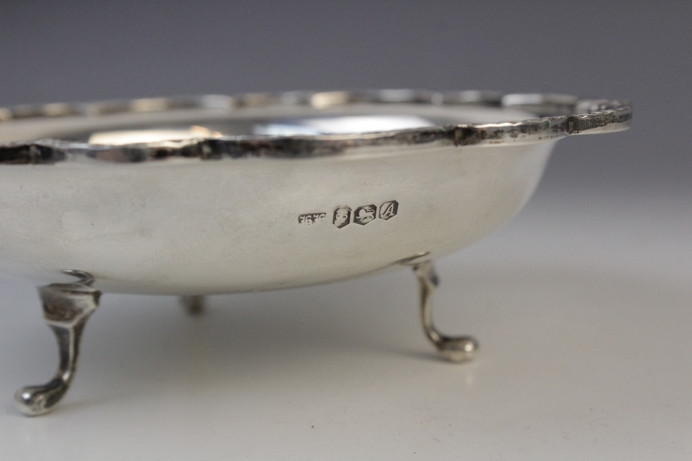A Victorian silver card tray by George John Richards, London 1848, of circular form with cast rim - Image 5 of 5