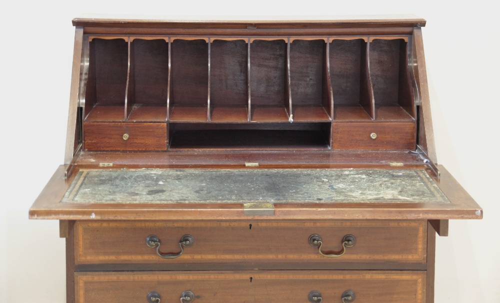 An Edwardian Sheraton revival mahogany and satinwood crossbanded bureau, the fall front centred with - Image 2 of 2